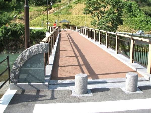 歩道・歩道橋01
